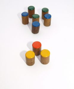 1067428_pegs_-_coloured_-_concepts